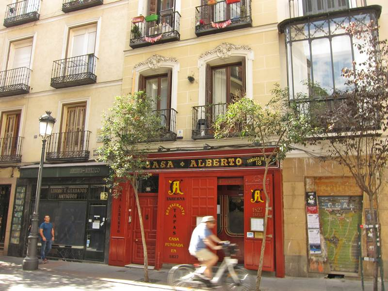 Letras: Madrid bohemian and literary
